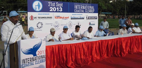 Chennai_Marina_Beach_International_Coastal_Cleanup_Day_2013_2