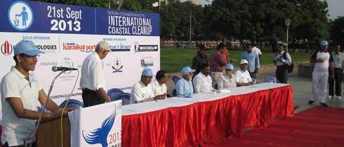 Chennai_Marina_Beach_International_Coastal_Cleanup_Day_2013_4