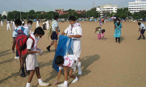 Chennai_Marina_Beach_International_Coastal_Cleanup_Day_2013_8