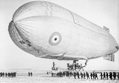 Royal_Navy_first_airship