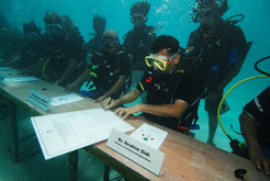 maldives_underwater_cabinet_meeting_2